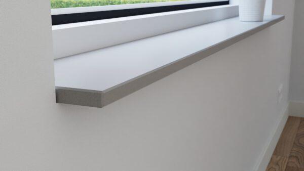 steenbok-natuursteen-Vensterbank-Composiet-Light-Smoke-grijs-gezoet-zijaanzicht-sfeerbeeld